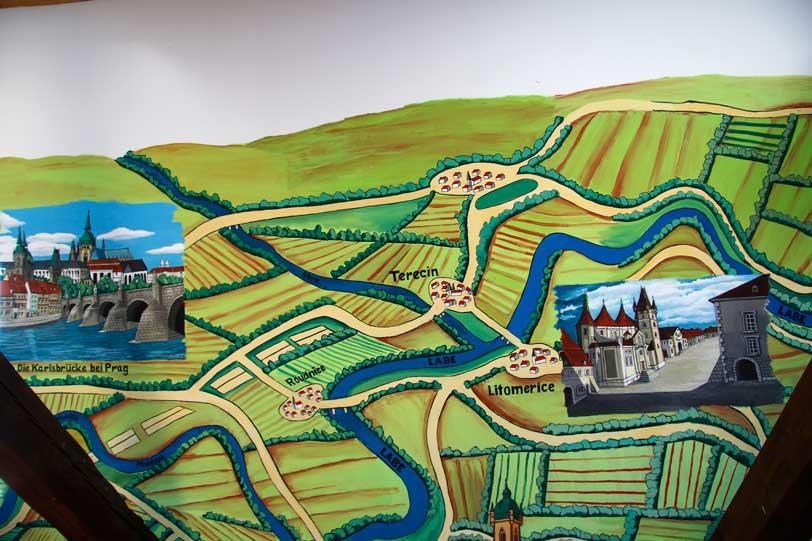 Elbe-Land-Museum, Wandmalerei, Elbeverlauf, stilisiert